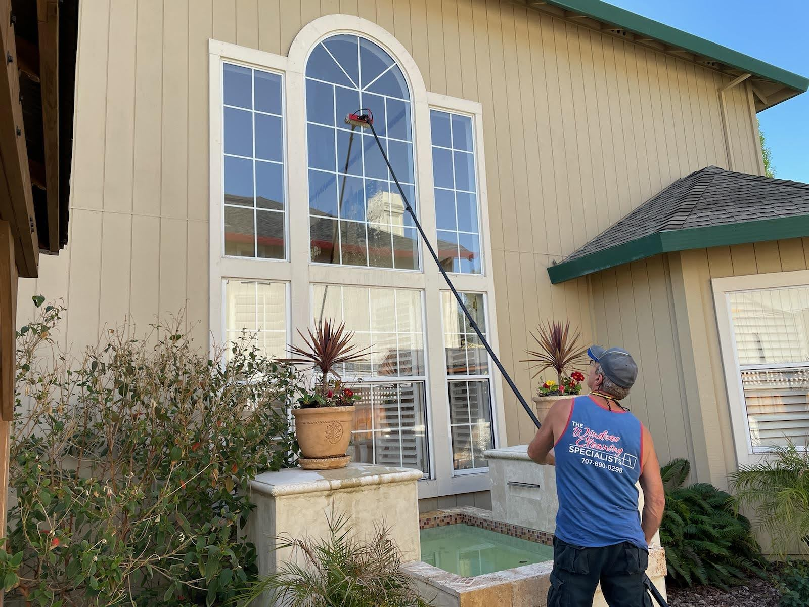 Why You Should Hire a Professional Window Cleaning Service post thumbnail